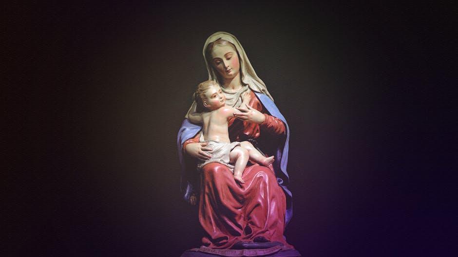 figurka matki boskiej szczególnie popularna